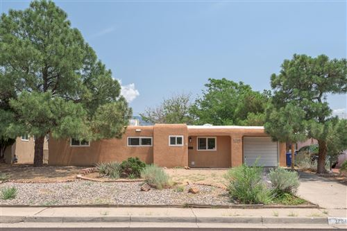 Photo of 2704 Charleston Street NE, Albuquerque, NM 87110 (MLS # 997427)