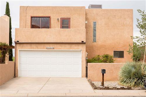 Photo of 9205 OSUNA Place NE, Albuquerque, NM 87111 (MLS # 974428)