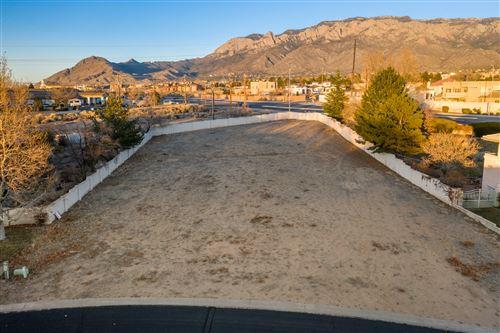 Photo of 10140 Masters Drive NE, Albuquerque, NM 87111 (MLS # 983428)