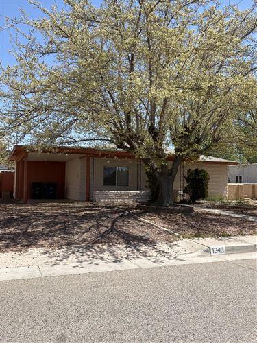 Photo of 1340 BOATRIGHT Drive NE, Albuquerque, NM 87112 (MLS # 990430)