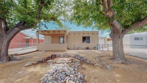 Photo of 810 DELAMAR Avenue NW, Albuquerque, NM 87107 (MLS # 997431)