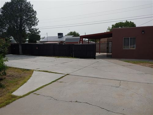 Photo of 359 57TH Street NW, Albuquerque, NM 87105 (MLS # 977438)