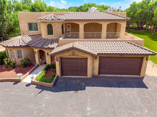 Photo of 804 GUERNSEY Court SW, Albuquerque, NM 87105 (MLS # 970439)