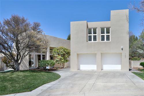 Photo of 11321 Woodmar Lane NE, Albuquerque, NM 87111 (MLS # 989443)