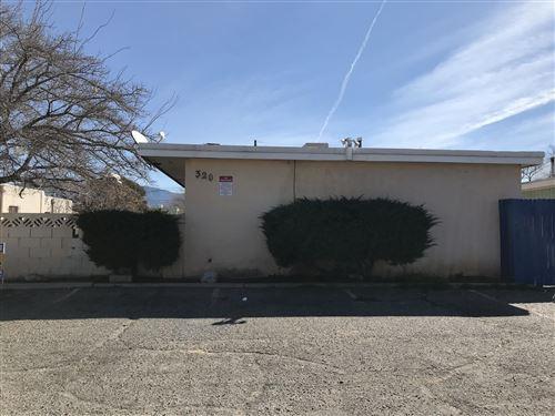 Photo of 320 Charleston Street NE #D, Albuquerque, NM 87108 (MLS # 976444)