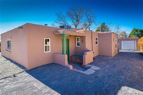 Photo of 709 JEFFERSON Street NE, Albuquerque, NM 87110 (MLS # 989451)