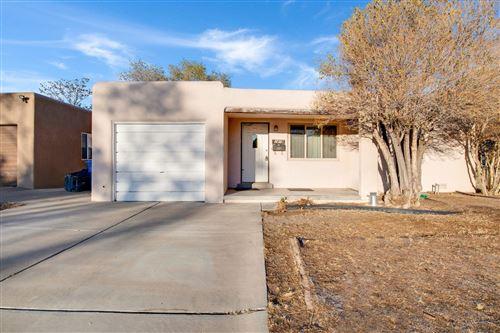Photo of 1419 RICHMOND Drive NE, Albuquerque, NM 87106 (MLS # 980454)