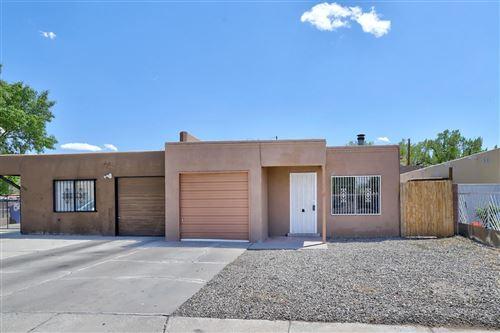 Photo of 1704 SIRIUS Avenue SW, Albuquerque, NM 87105 (MLS # 991457)
