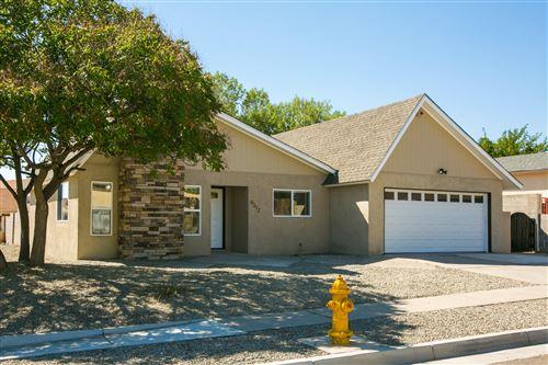 Photo of 9312 Tasco Drive NE, Albuquerque, NM 87111 (MLS # 976458)