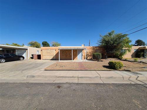 Photo of 2334 VALENCIA Drive NE, Albuquerque, NM 87110 (MLS # 979461)