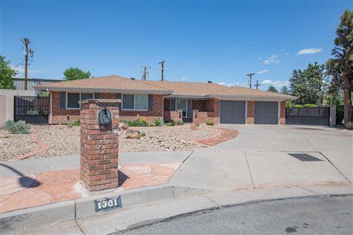 Photo of 1301 RIDGECREST Loop SE, Albuquerque, NM 87108 (MLS # 991461)