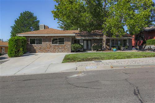 Photo of 5305 JESSIE Drive NE, Albuquerque, NM 87111 (MLS # 976468)