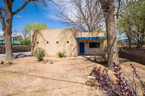 Photo of 2503 CANDELARIA Road NW, Albuquerque, NM 87107 (MLS # 989470)