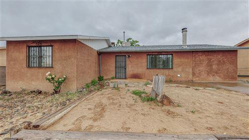Photo of 9400 CAMINO SAN MARTIN Road SW, Albuquerque, NM 87121 (MLS # 991474)