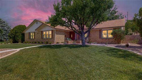 Photo of 2512 Cutler Avenue NE, Albuquerque, NM 87106 (MLS # 972475)