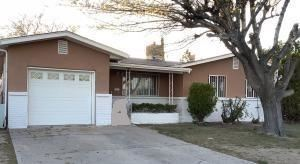Photo of 649 57TH Street NW, Albuquerque, NM 87105 (MLS # 968481)
