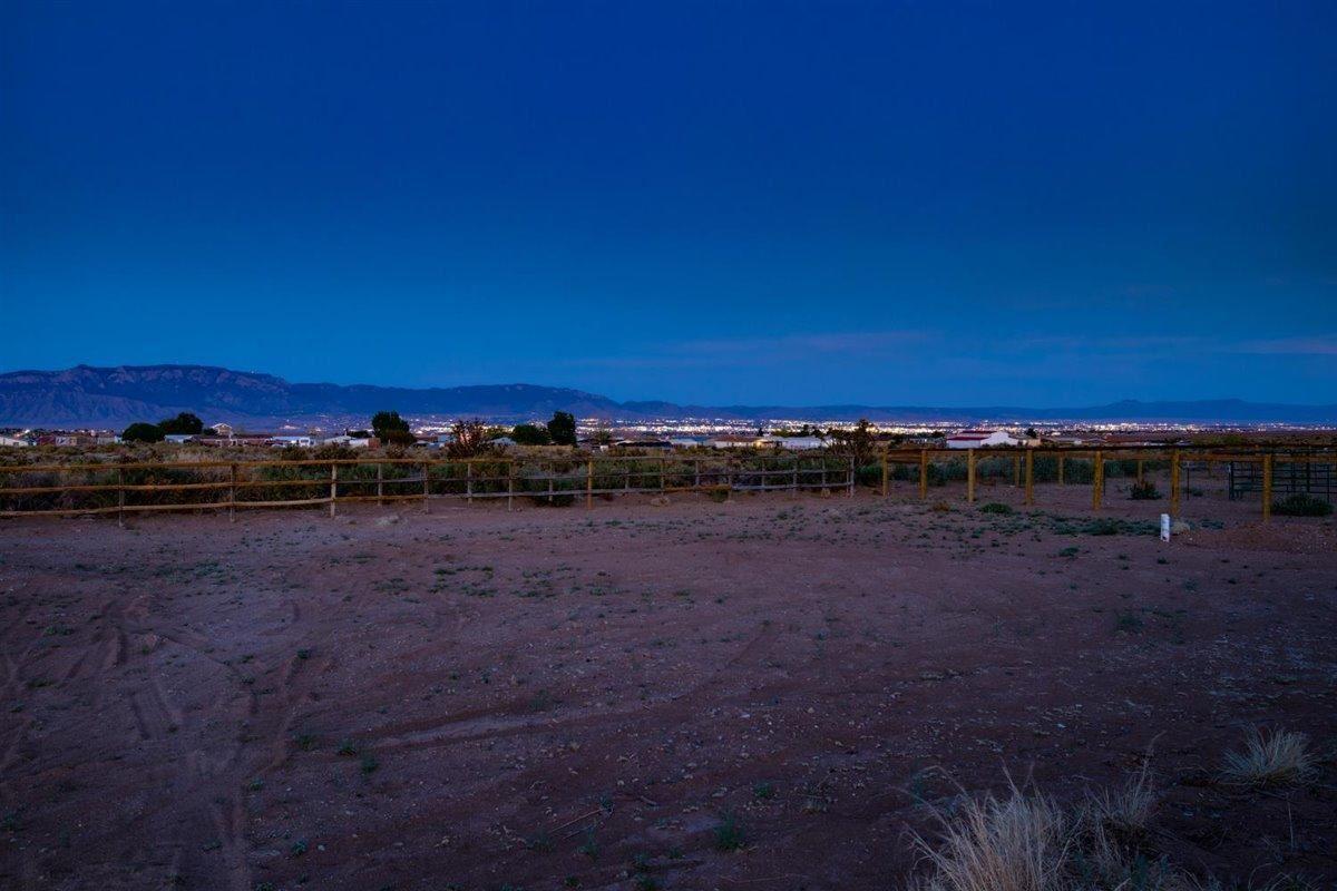 Photo of 1016 28TH Street SW, Rio Rancho, NM 87124 (MLS # 991488)