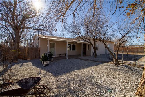 Photo of 4000 SIOUX Street NW, Albuquerque, NM 87107 (MLS # 982489)