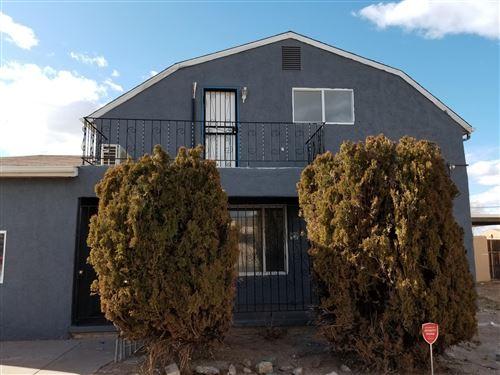 Photo of 505 DAKOTA Street SE, Albuquerque, NM 87108 (MLS # 989490)