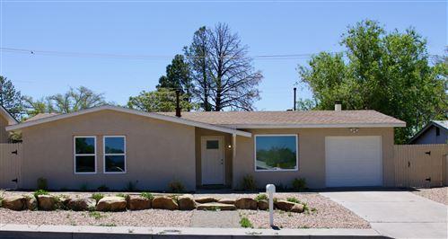 Photo of 13200 CLOUDVIEW Avenue NE, Albuquerque, NM 87123 (MLS # 991496)