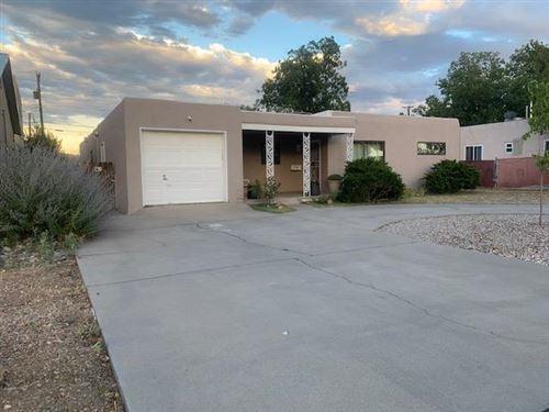 Photo of 218 Adams Street NE, Albuquerque, NM 87108 (MLS # 974497)