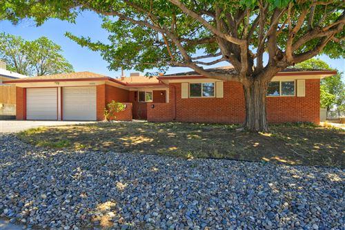 Photo of 14200 LA CUEVA Avenue NE, Albuquerque, NM 87123 (MLS # 974498)