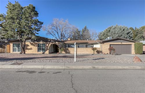 Photo of 3105 Charleston Street NE, Albuquerque, NM 87110 (MLS # 959499)