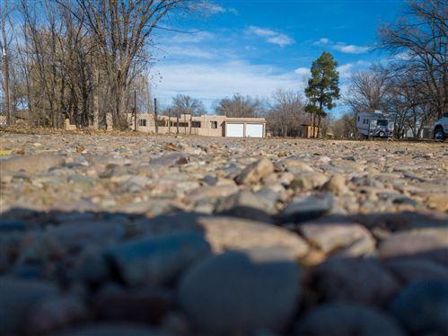 Photo of 2325 Pajarito Road SW, Albuquerque, NM 87105 (MLS # 981500)