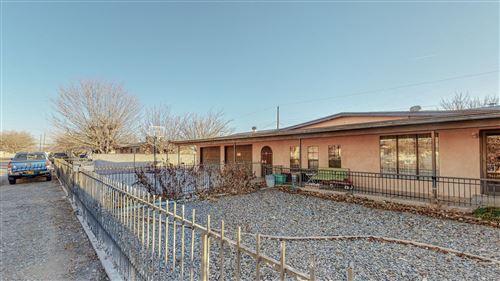 Photo of 2114 RAVEN Boulevard SW, Albuquerque, NM 87105 (MLS # 991502)