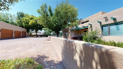 Photo of 502 Lagunitas Road SW, Albuquerque, NM 87105 (MLS # 975505)