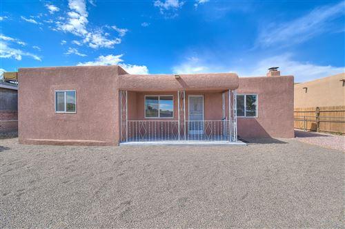 Photo of 117 DANIEL Road NW, Albuquerque, NM 87107 (MLS # 969506)