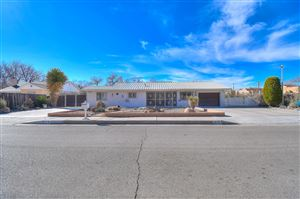 Photo of 310 Alamosa Road NW, Albuquerque, NM 87107 (MLS # 938509)