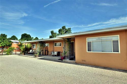 Photo of 1112 Palomas & 1116 Drive SE, Albuquerque, NM 87108 (MLS # 967512)