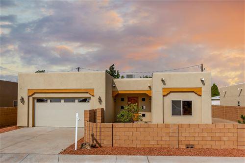 Photo of 4005 GRANDE Drive NW, Albuquerque, NM 87107 (MLS # 977513)