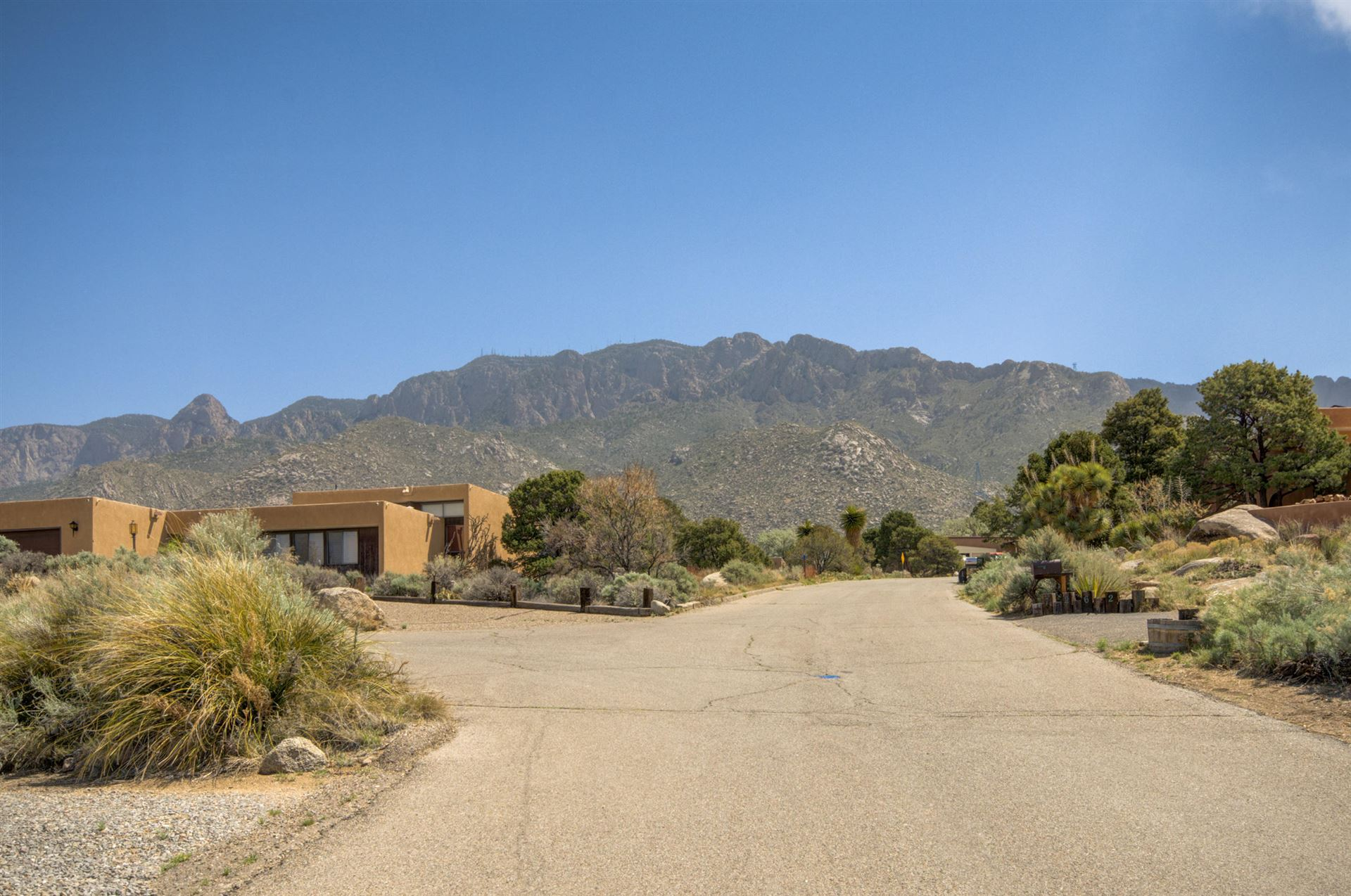 Photo of 726 TRAMWAY VISTA Drive NE #21, Albuquerque, NM 87122 (MLS # 991513)