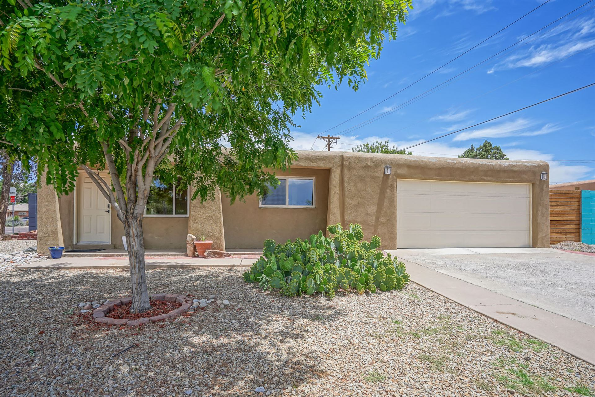 Photo of 1732 HOFFMAN Drive NE, Albuquerque, NM 87110 (MLS # 994518)