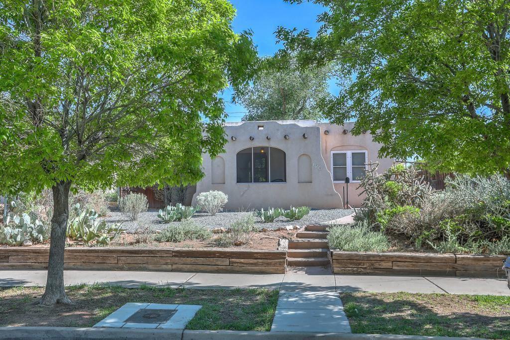 Photo of 1804 Silver Avenue SE, Albuquerque, NM 87106 (MLS # 991520)