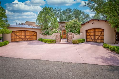 Photo of 1004 NOVAK Lane NW, Albuquerque, NM 87114 (MLS # 989521)