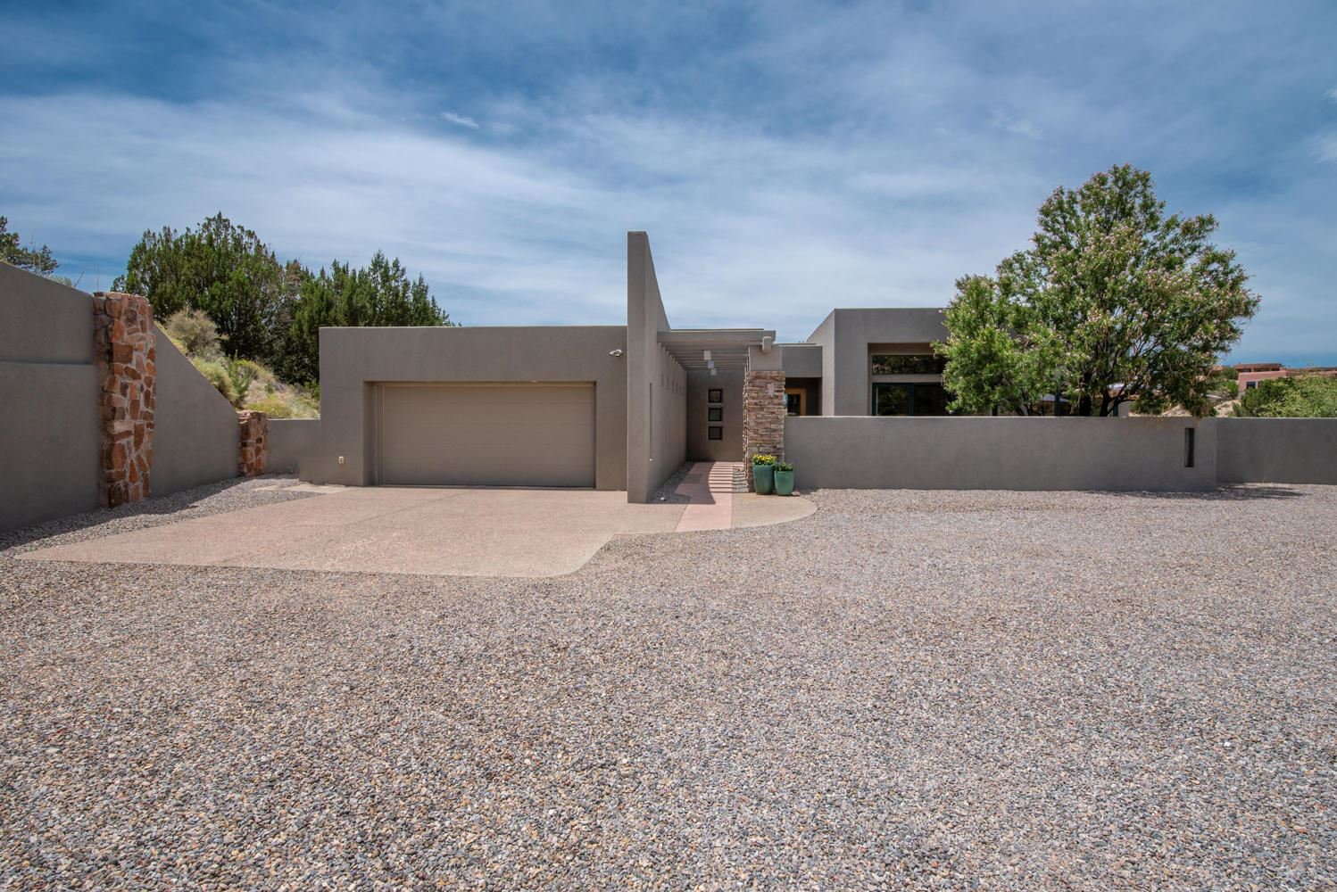 Photo of 115 VISTA MONTANA Loop, Placitas, NM 87043 (MLS # 971525)