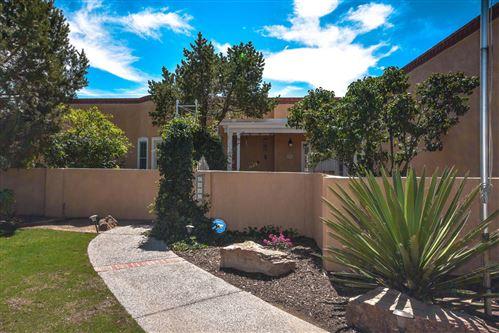 Photo of 6410 LOVELACE Road SE, Albuquerque, NM 87108 (MLS # 981526)