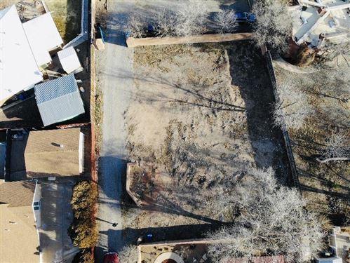 Photo of 1990 1/2 Cherokee, Albuquerque, NM 87107 (MLS # 960529)