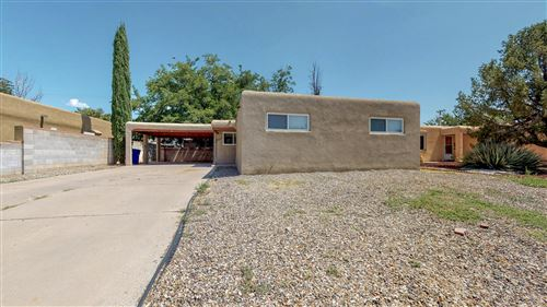 Photo of 2412 Cagua Drive NE, Albuquerque, NM 87110 (MLS # 959541)
