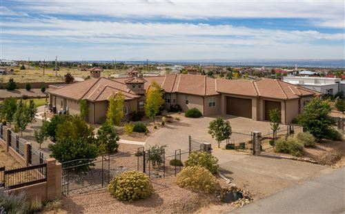 Photo of 11212 CARMEL Avenue NE, Albuquerque, NM 87122 (MLS # 960551)