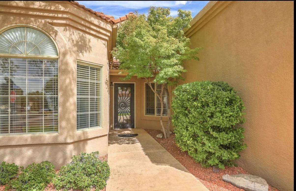Photo of 6712 CYPRESS POINT Way NE, Albuquerque, NM 87111 (MLS # 979558)