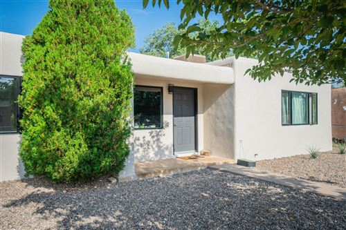 Photo of 2125 PALOMAS Drive NE, Albuquerque, NM 87110 (MLS # 974559)
