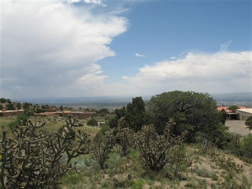 Photo of 15 LA CUEVA Trail NE, Albuquerque, NM 87122 (MLS # 938562)