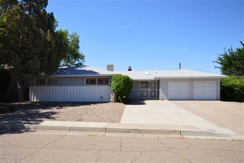 Photo of 6000 POJOAQUE Road NE, Albuquerque, NM 87110 (MLS # 969567)