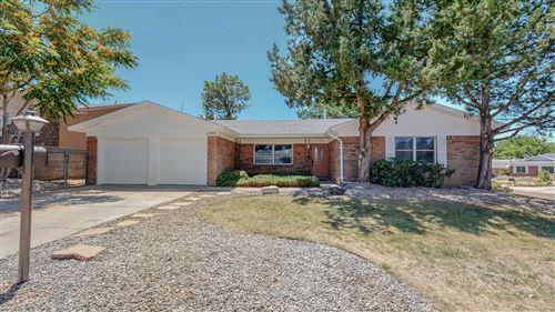 Photo of 11300 BISCAYNE Drive NE, Albuquerque, NM 87111 (MLS # 997570)