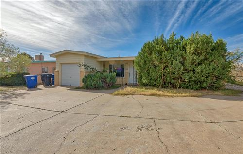 Photo of 709 GRACE Street NE, Albuquerque, NM 87123 (MLS # 965572)
