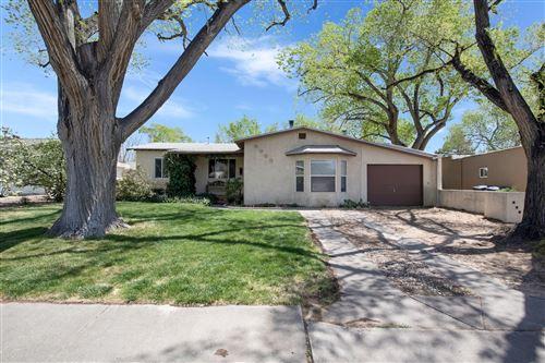 Photo of 4938 PALO ALTO Avenue SE, Albuquerque, NM 87108 (MLS # 989574)